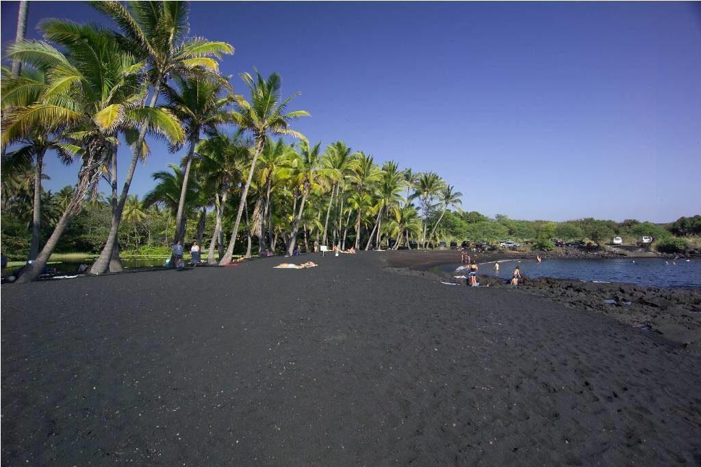 Чёрные пляжы