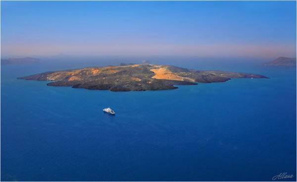 Остров Неа-Камени (Новый вулкан)